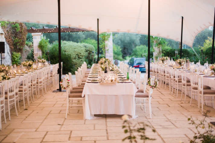 wedding setting table