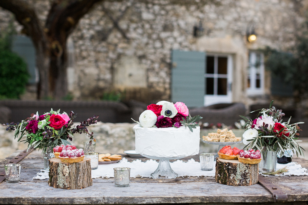 sweet rustic table  provence