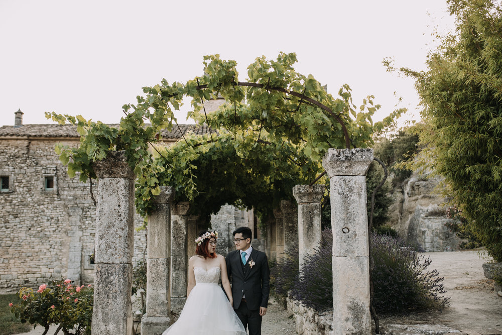 elope in provence