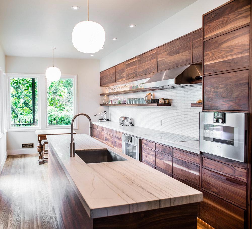 hansen kitchen lightroom ilari.jpg