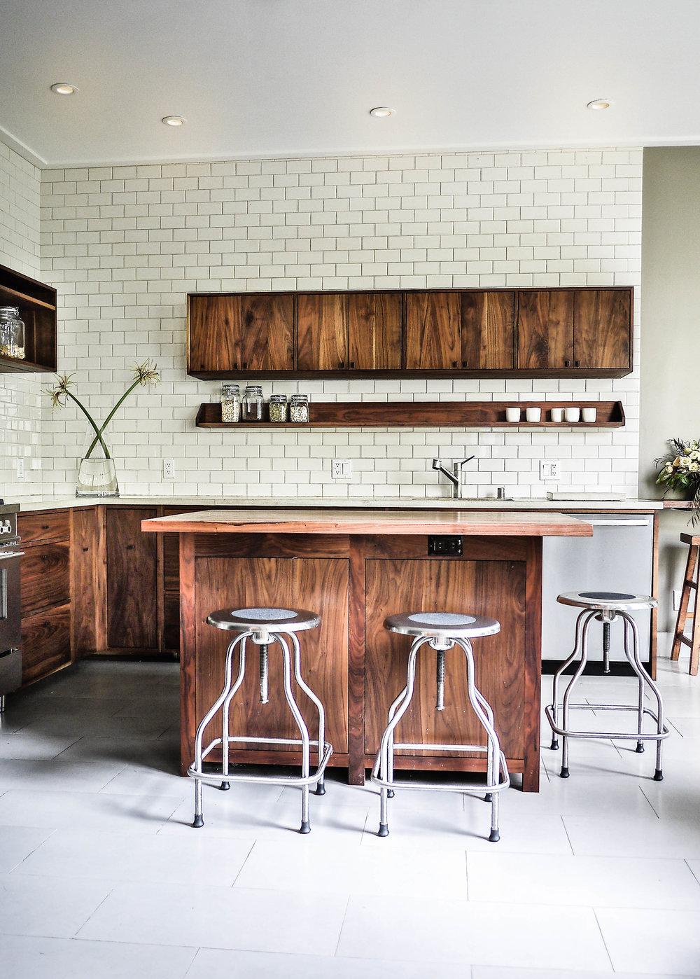 gebhart kitchen lightroom ilari.jpg