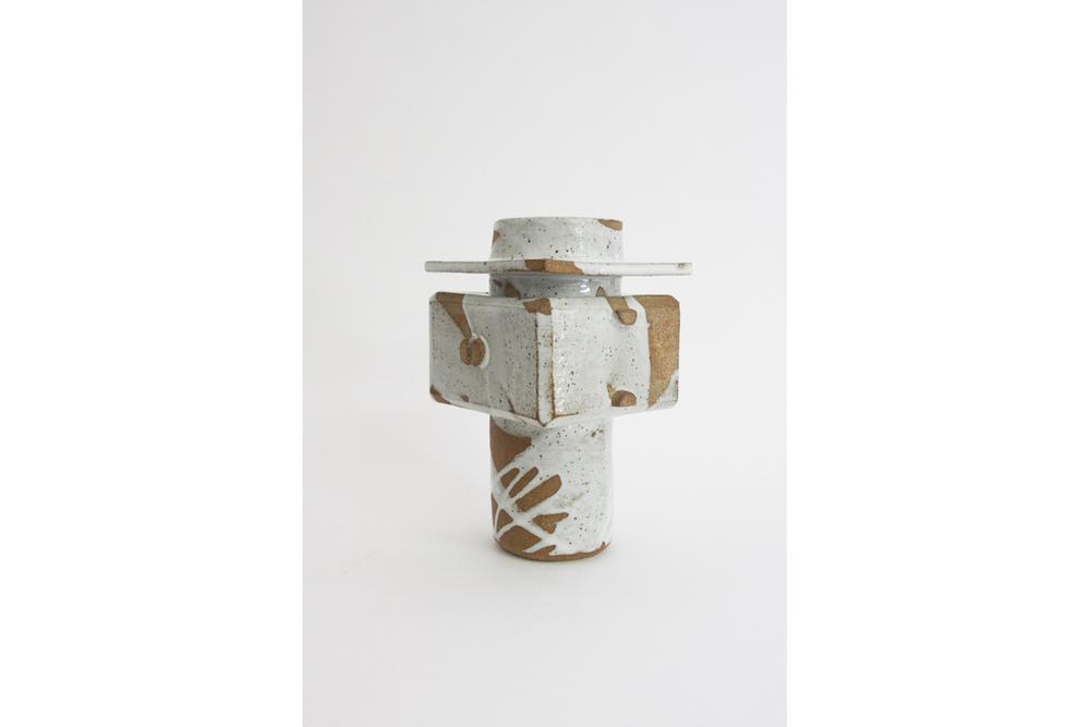 Brutalist Pour Vessel, Plain Boxtop - White