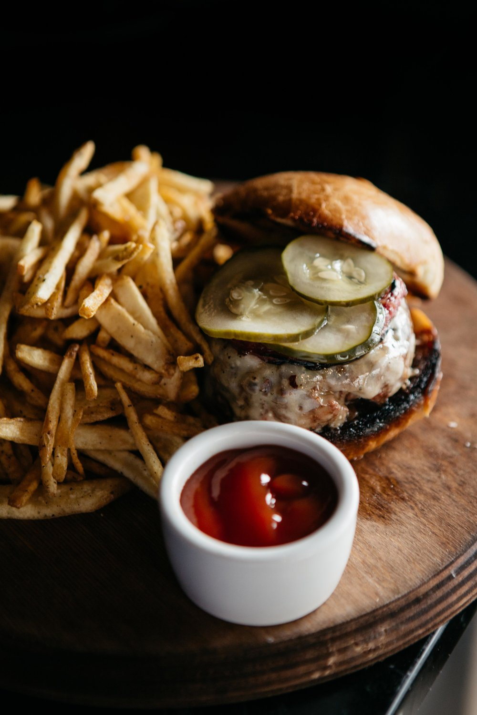 PatrickMichaelChin_5thandTaylor_Nashville_Burger_Food.jpg