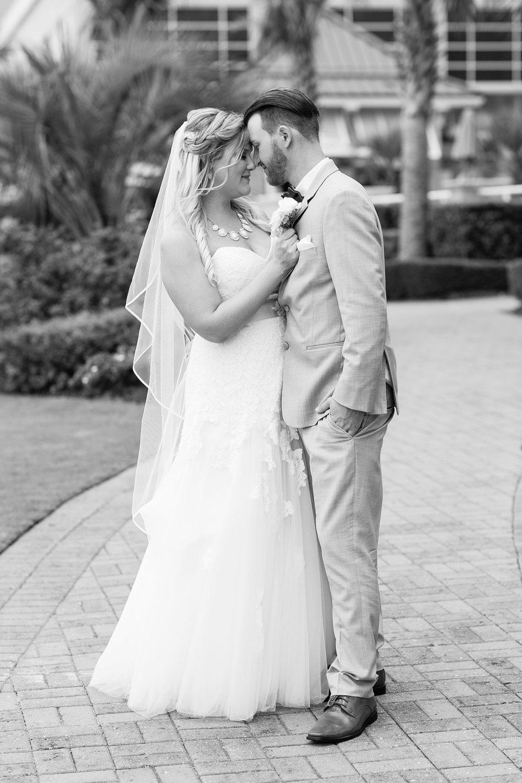 Lauren&Ryan_Bride&GroomPortraits-33.jpg