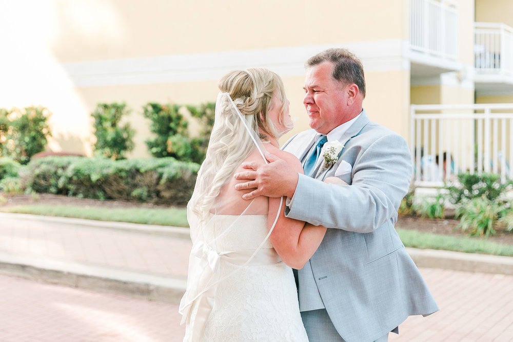 Lauren&Ryan_FirstLook(Dad)-FirstTouch(Groom)-14.jpg