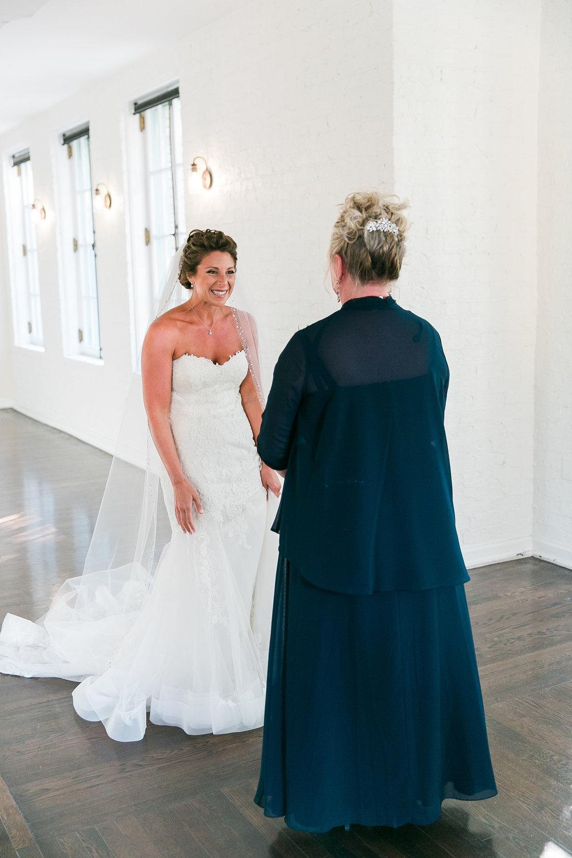 Taylor&Bryan_FirstLookMom-Bridesmaids-9.jpg