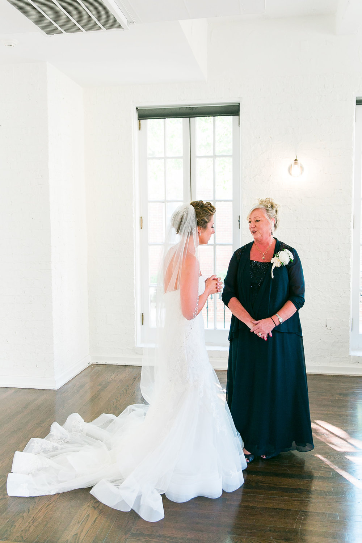 Taylor&Bryan_FirstLookMom-Bridesmaids-22.jpg