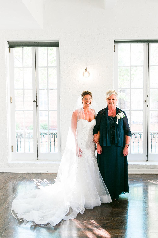 Taylor&Bryan_FirstLookMom-Bridesmaids-30.jpg