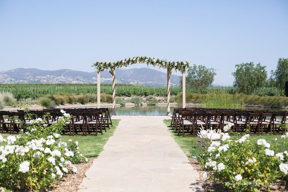The Ponte Winery Inn was the perfect location for Chelsea and Brian's ceremony, I mean look at that view!!