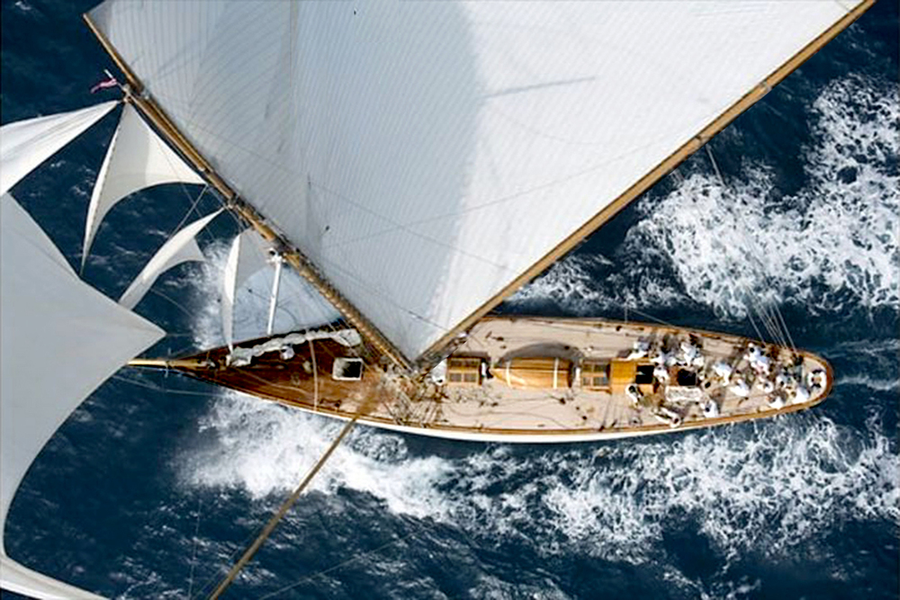 Background_SailingYacht_2.jpg
