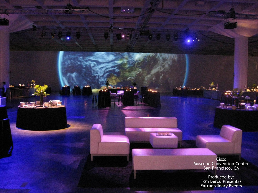 Cisco Moscone Convention Center Produced by: Tom Bercu Presents/ Extraordinary Events