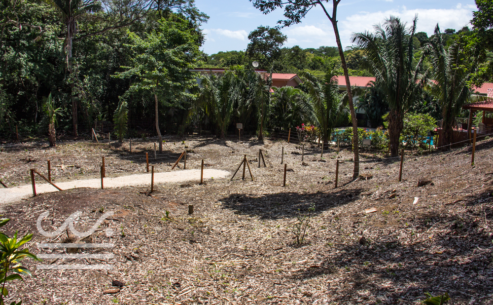 0.12 acres | 500 sqm | Walk to the beach