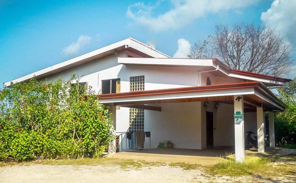 0.31 acres | 1240 sqm | 4 Bedroom | 3 Bathroom | Ocean view