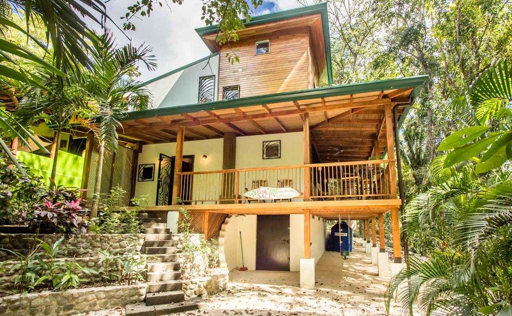 0.06 acres | 244 sqm | 3 Bedroom | 2.5 Bathroom | Ideal location