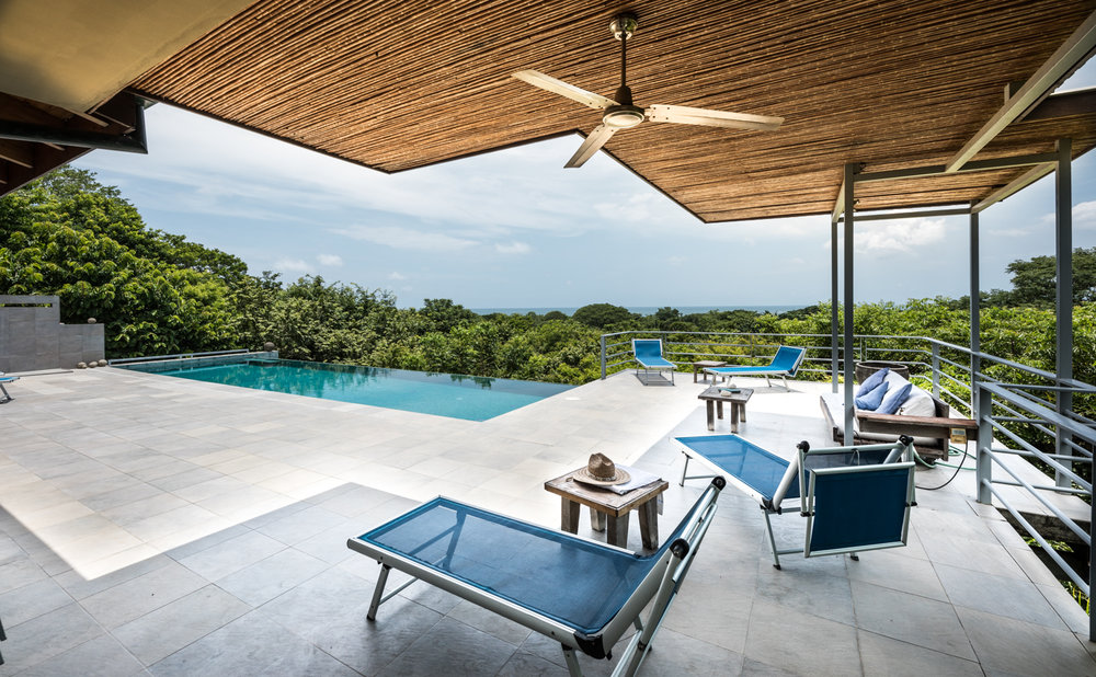 1.68 acres |6830 sq m. | 6 Bedrooms | 6 Bathrooms | Ocean view