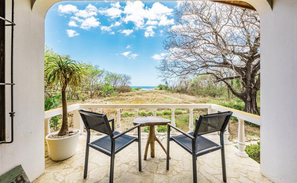 0.03 acres | 139 m²| 3 Bedroom | 2 Bathroom | Beach Front