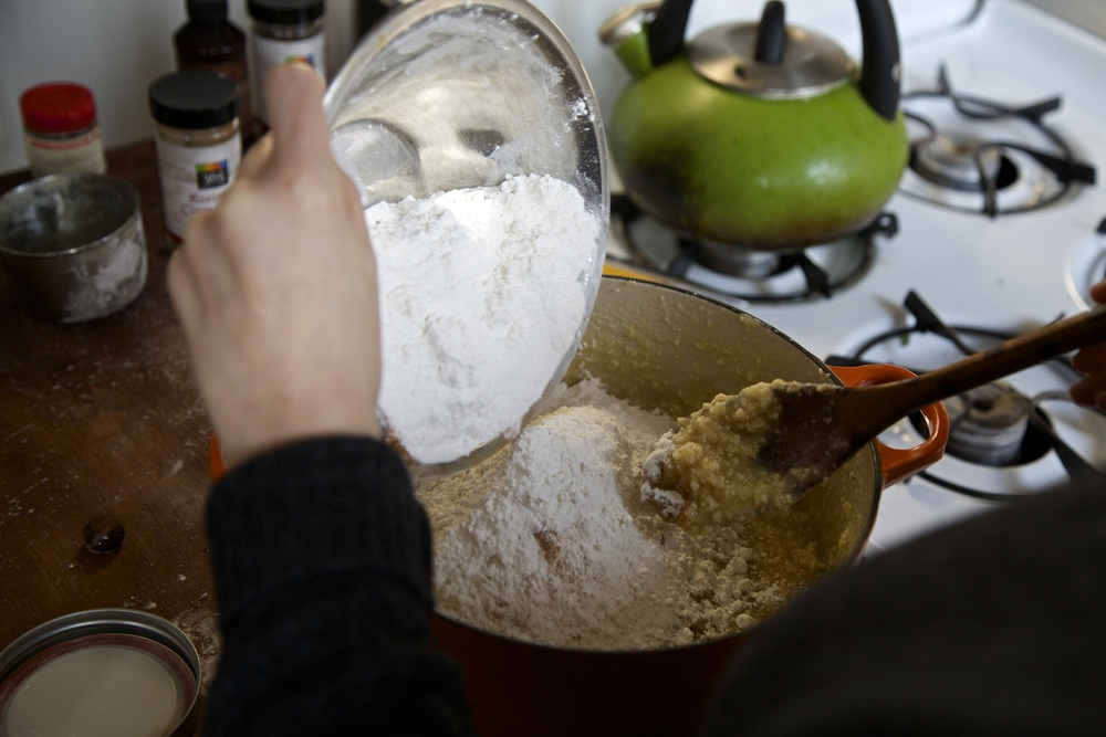 6) Add the flour and spices mix to the wet ingredients.