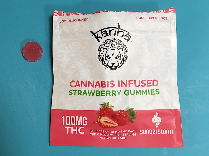 131 Kanha Strawberry Gummies.jpeg