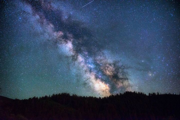 astronomy-1866822__480.jpg
