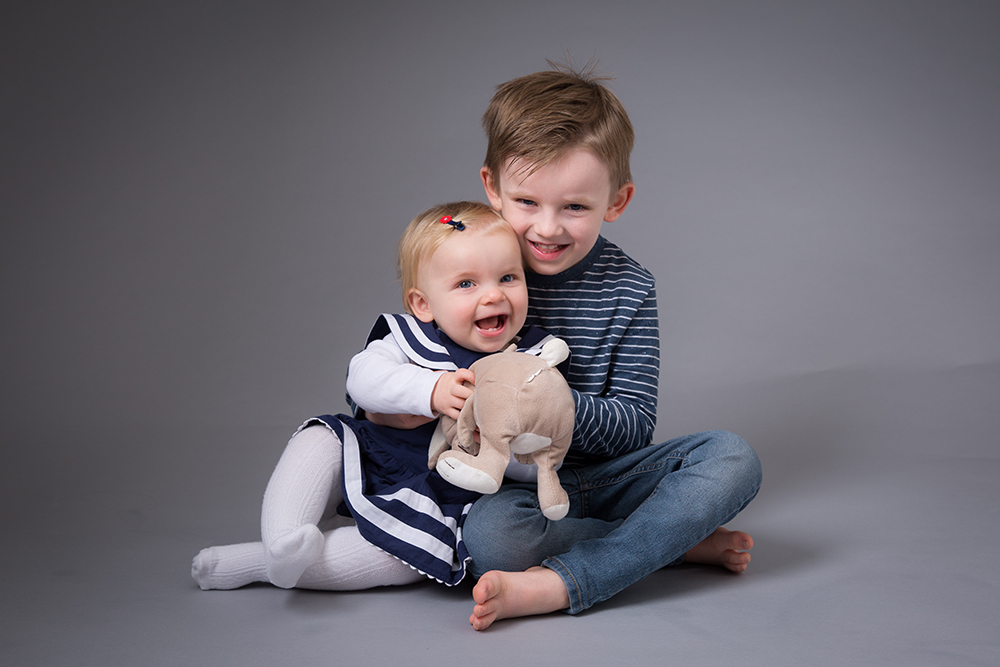 sibling photography berkhamsted.jpg