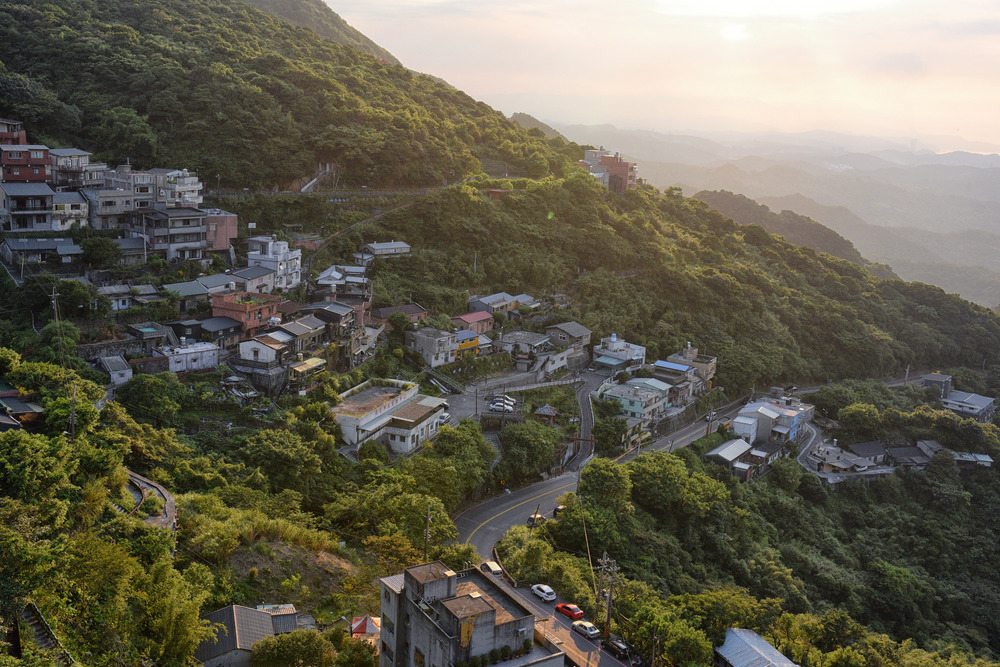A beautiful scene on a recent trip to Taiwan, not undertaken by me