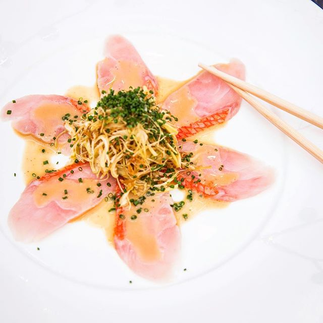 Yuzu is the star of this Kinme Sashimi and Artichoke dish...along with many other #nobustyle signatures from cocktails to desserts. Get to know Yuzu at Nobu-Style.com....link in bio #yuzu #sushi #sashimi #cocktails #desserts #japanese #citrus
