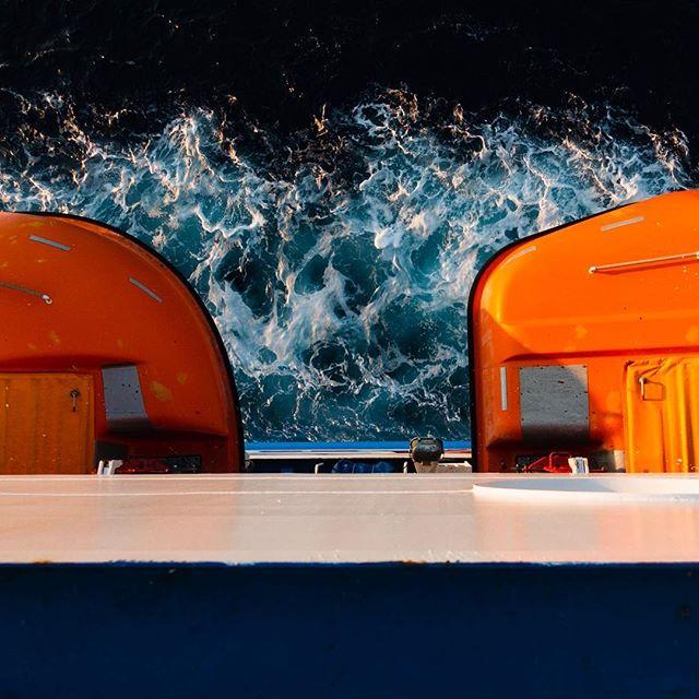 Summertime is travertine. Can't wait for the next trips & experiences. . . . . . #travel #reisen #sea #meer #rettungsboot #schiff #boat #ferry #fähre #sardinien #sardegna #italy #italia #italien #urlaub #holiday #vacation #sony #adobelightroom #orange #blue #blau #throwback #erinnerungen #memories #urlaubmitfreunden