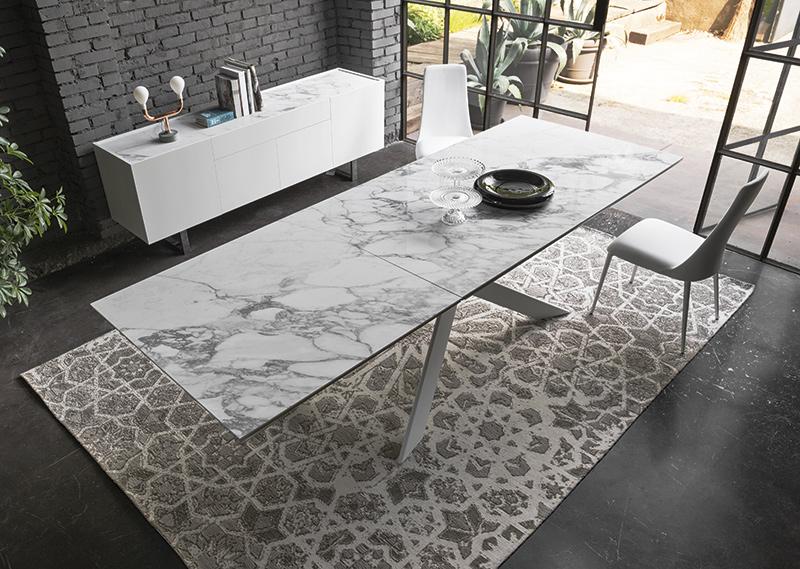 tavoli-per-la-zona-pranzo-con-piano-in-ceramica-calligaris.jpg