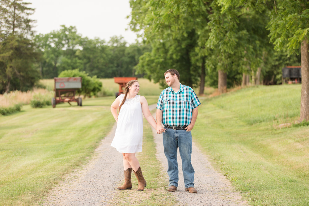 Carroll-county-engagement-photos-9.jpg