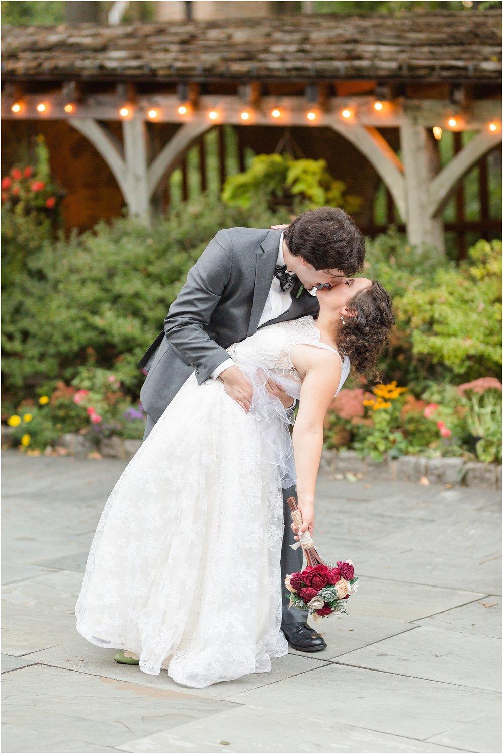 The-Cloisters-Wedding-Photos-1089.jpg