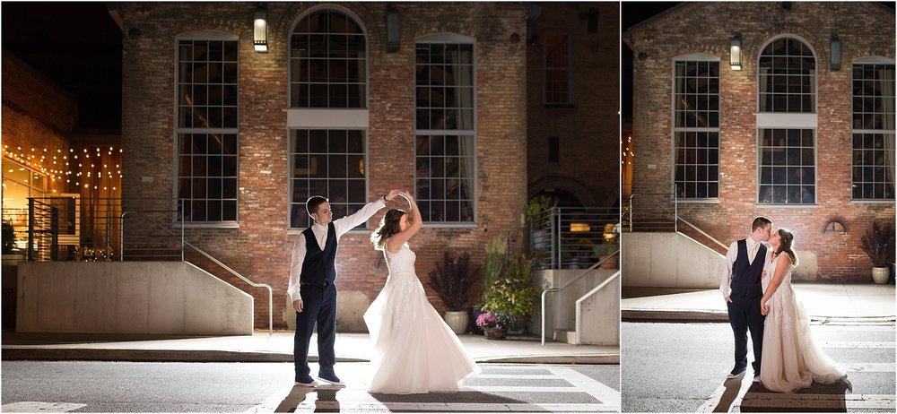 Corradetti-glass-blowing-studio-wedding_0092.jpg