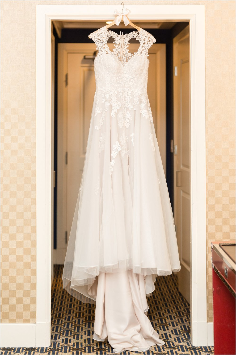 Hotel-monaco-Baltimore-wedding_0011.jpg