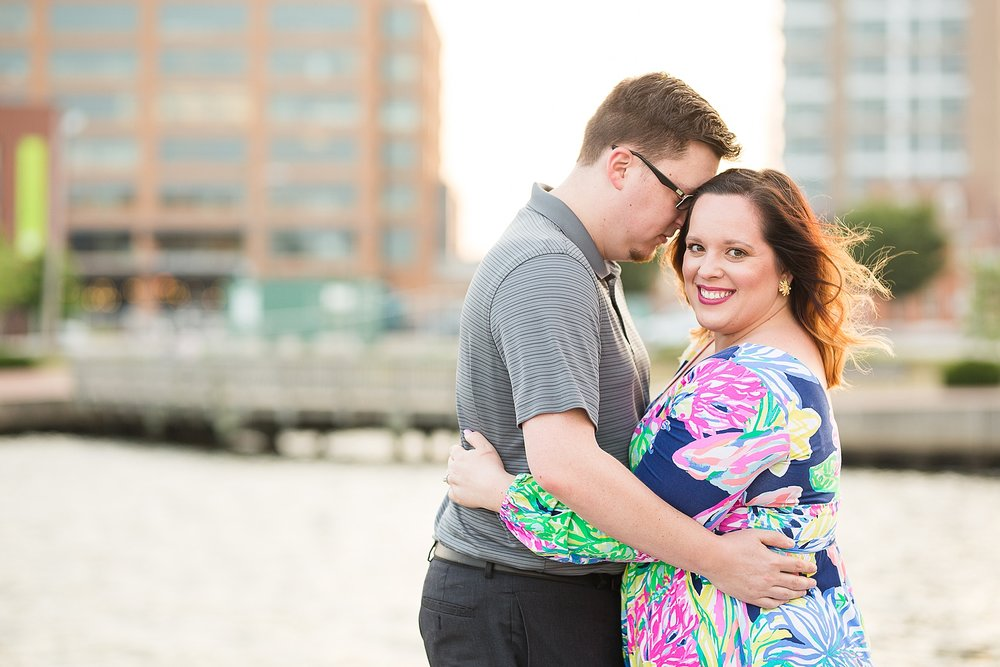 Fells-point-engagement-photos_0037.jpg