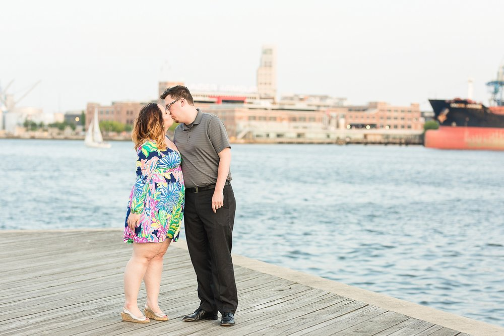 Fells-point-engagement-photos_0040.jpg
