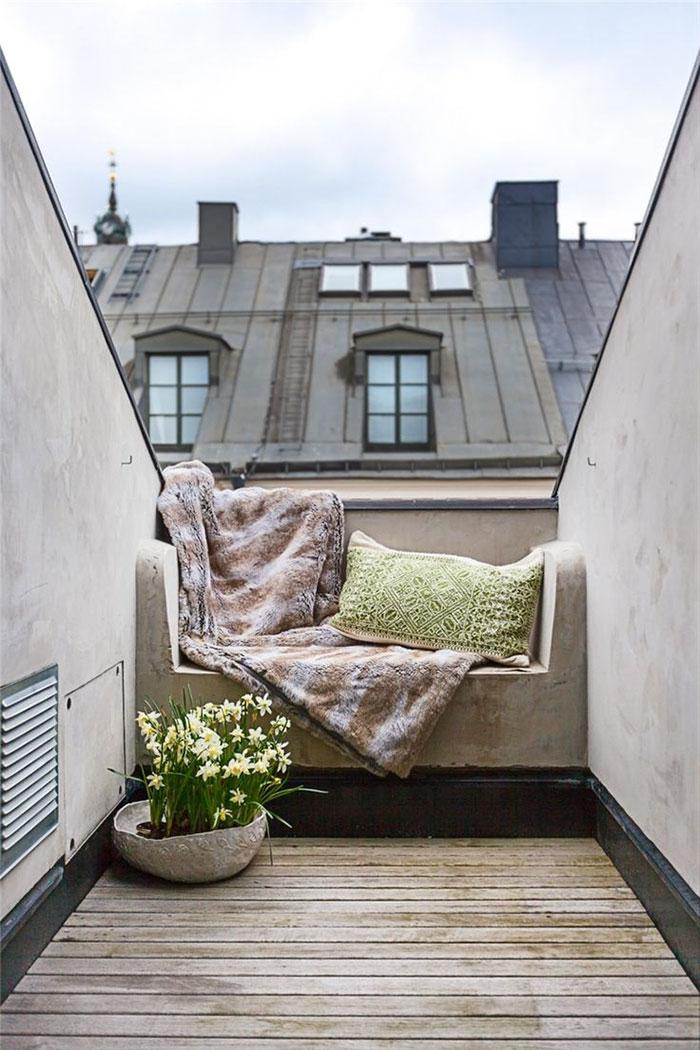 #16.1 HM rooftop access.jpg