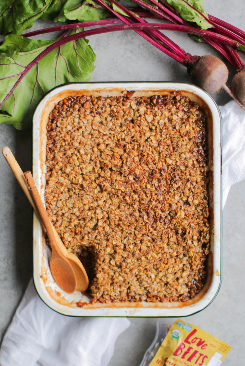 Vegan Beet Apple Crumble that is just perfect for the holiday season. It's also gluten free so all can enjoy this tasty vegan dessert.jpg