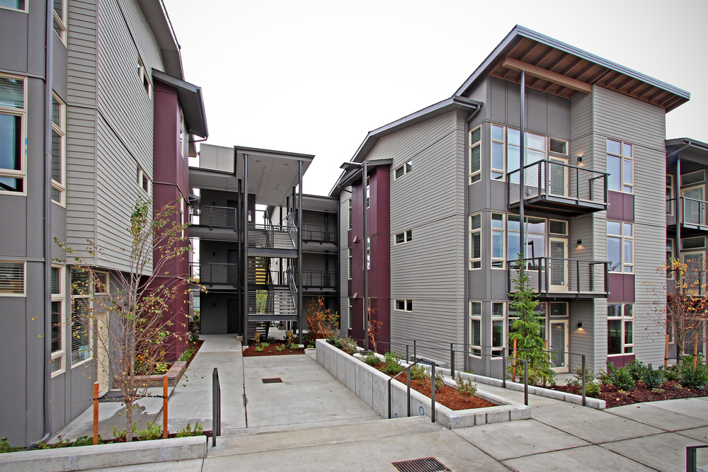 Upscale, boutique apartment homes in an unbeatable Lynnwood location. We are excited to bring this unique new apartment living choice to Lynnwood.  You really do need to see to believe. Motif brings something special to Lynnwood and we want you to experience it! Motif Apartments Site / 425.412.3743 / 3331 204th Street SW, Lynnwood, WA 98036