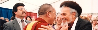 """The Dalai Lama and Rabbi Zalman Schachter-Shalomi."" Foto di Vita, 1997."