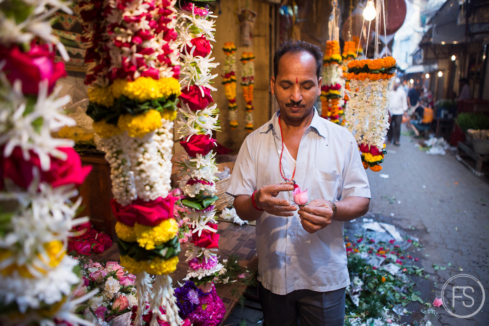Flower market in Mumbai, one of the many amazing things you can see while doing the Bicycle Tour of Mumbai with Reality Tours and Travel.