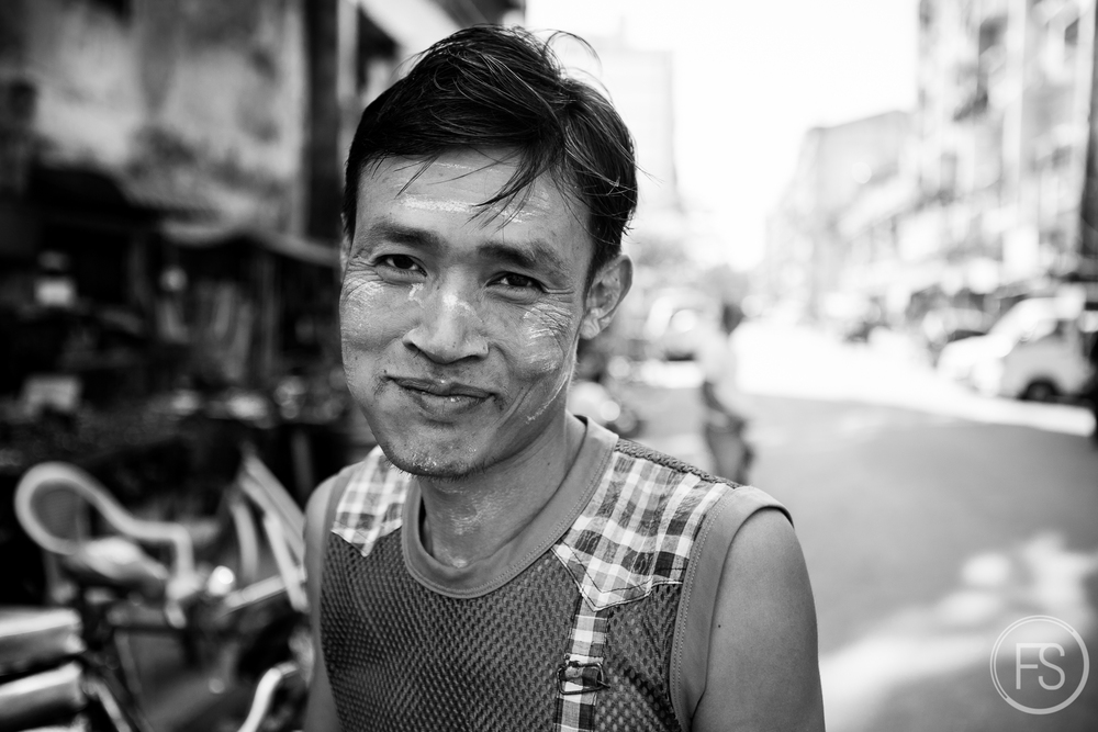 Very first portrait on the very first day, a rather promising beginning towards Burmese welcomeness