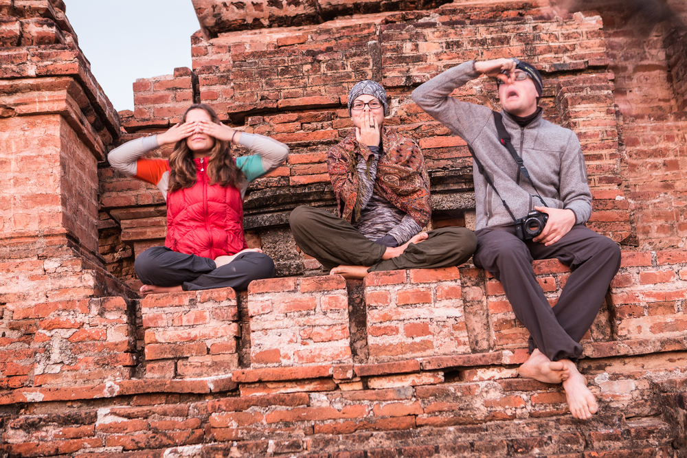 Amelie, Raphaelle and Vince, what are the odds of traveling with two ther Quebecers in Myanmar by coincidence?