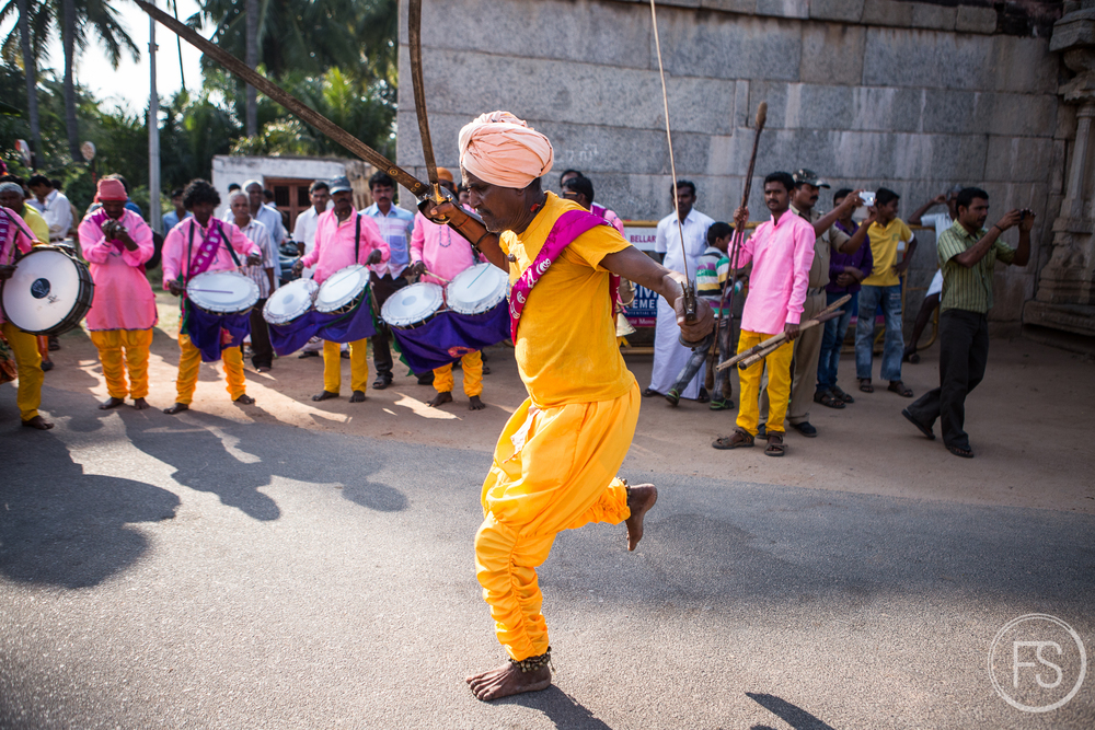 What an arrival in Hampi, in the middle of the festival!