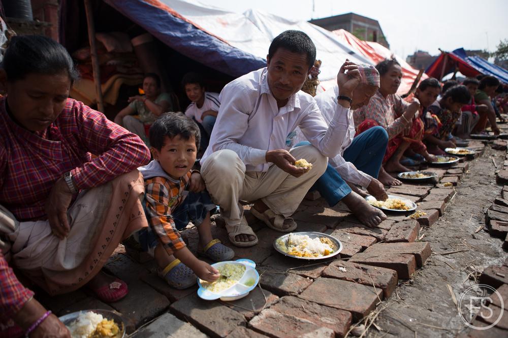 Le camp de réfugiés à l'heure du repas.
