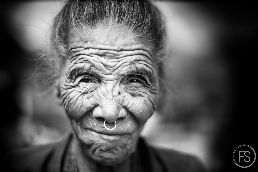 La dame de la photo #23. La dernière de la série, fatiguée, résolue, forte et éprouvée. C'est fini.
