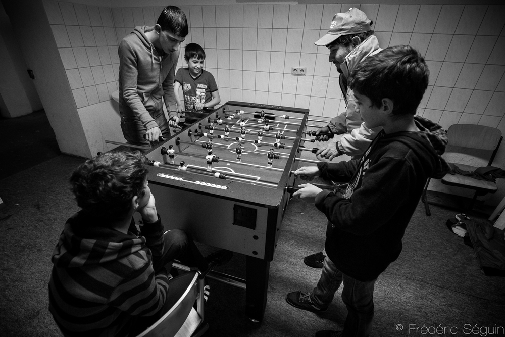 In these shelters, refugees are provided with accomodation, minimum income and German language classes. It is extremely important for kids to be able to receive some basic education as well. Eberswalde, Germany.