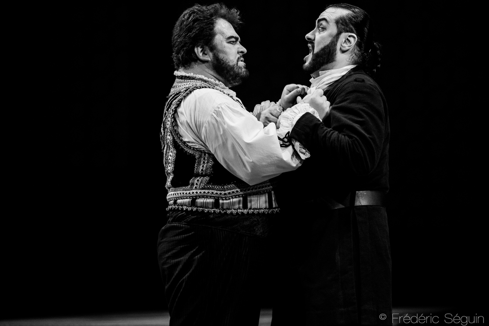 Otello s'enrage en doutant des machinations de Iago.