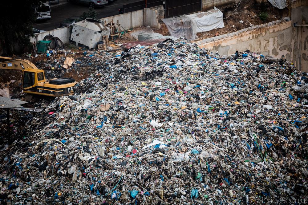 Improvised landfill in Sid Al Bouchrieh. Beirut, Lebanon, November 2015.