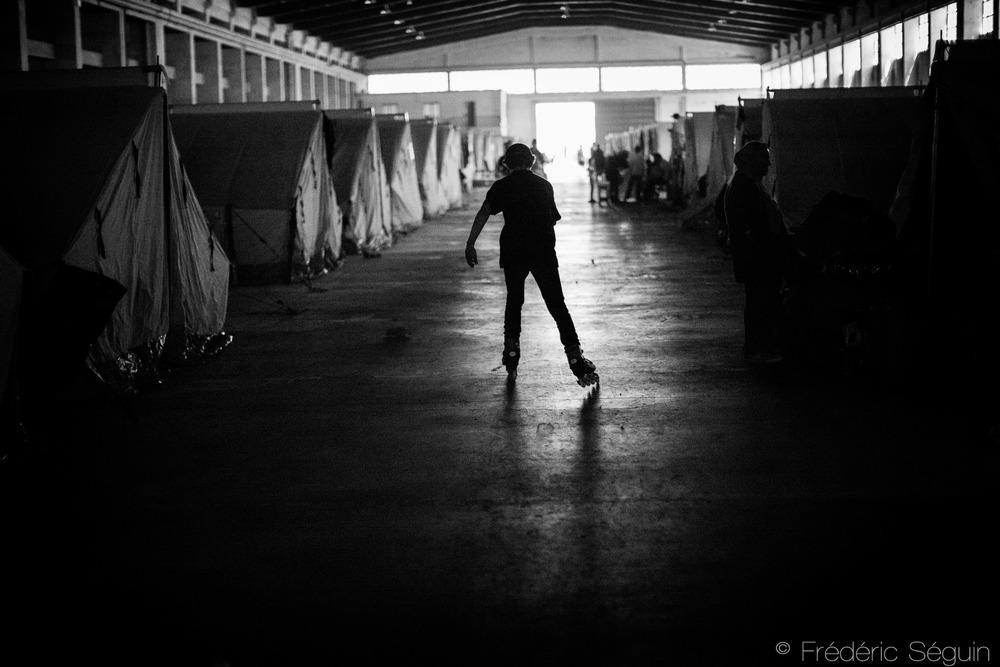 Dernier arrêt de la région; Oreokastro, l'un des novueauc camps officiels de l'armée où les réfugiés d'Idomeni ont été relocalisés. Les conditions semblaient meilleures qu'Idomeni et sont supposés s'améliorer dans un futur proche.