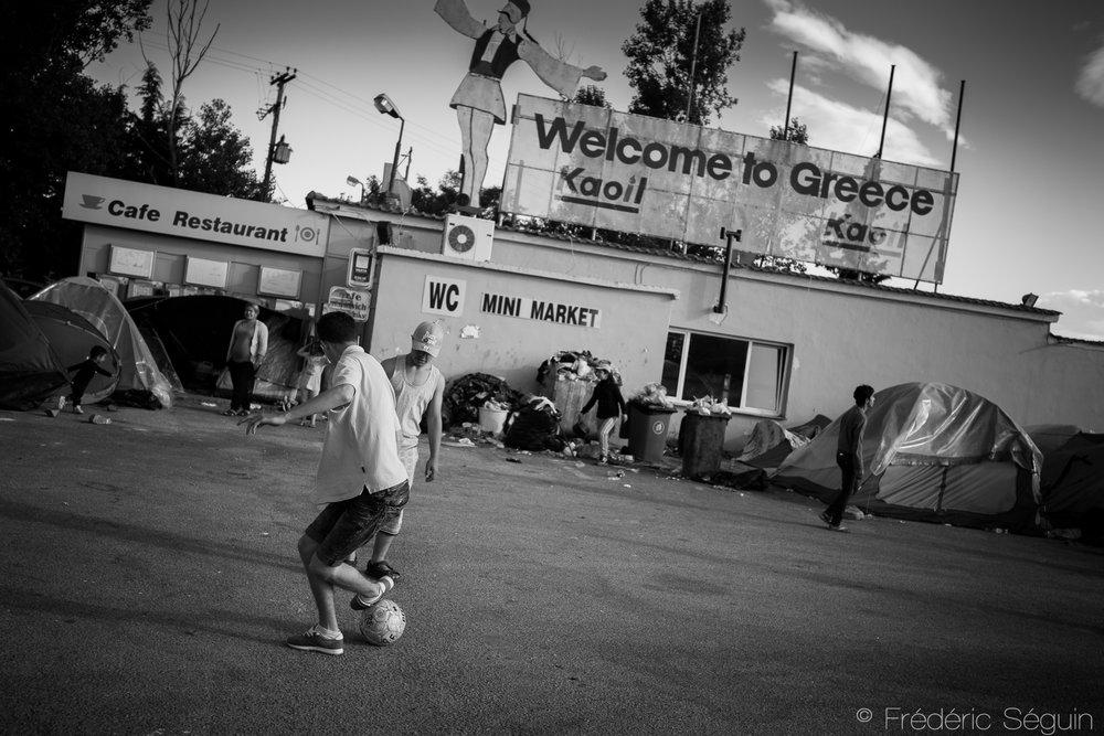 Camp de réfugiés d'Hara Hotel avant sa fermeture. Région de Polykastro, Grèce. Mai 2016.