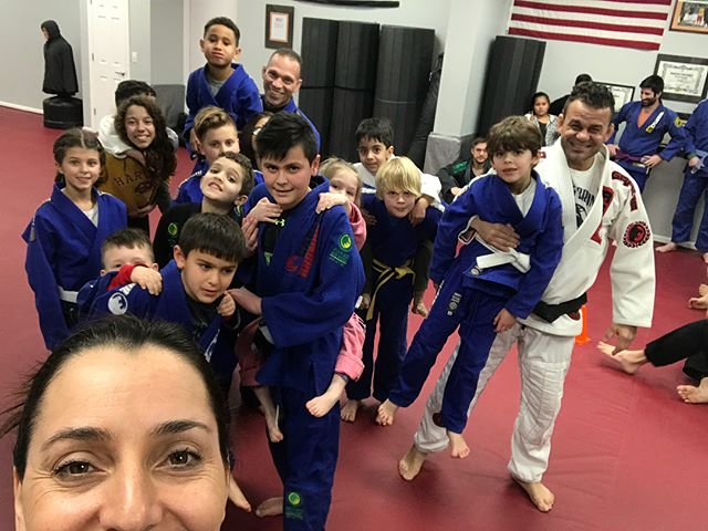 This is how we have fun on Friday!!! #bjjlifestyle #renzograciegarwood #carlosbroncoteam #morethanateamafamily #fridaynight